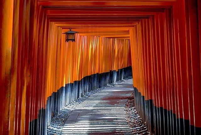 טיול ליפן, שערי טורי במקדש פושימי אינארי, קיוטו