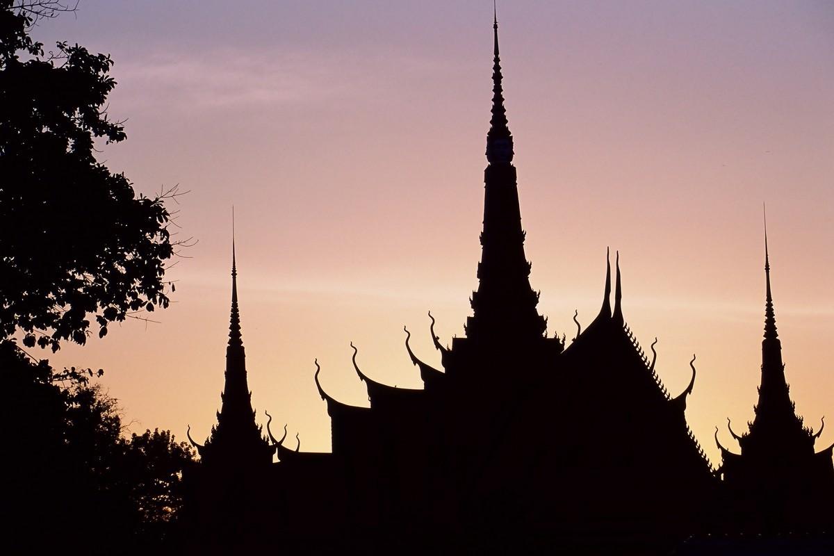 טיול לקמבודיה ולאוס- איש העולם