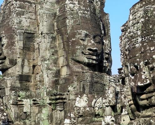 טיול לקמבודיה, מקדש באיון
