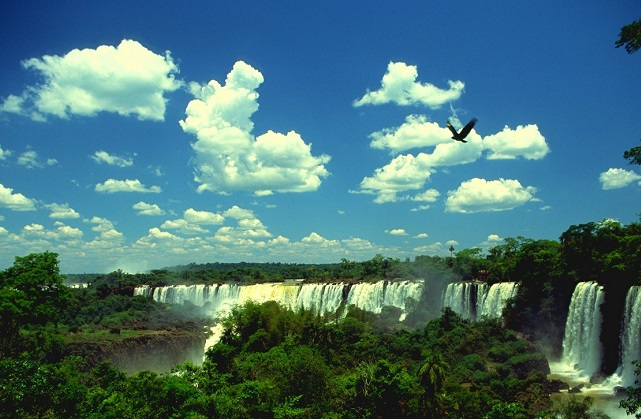 מפלי האיגוואסו, טיול לברזיל וארגנטינה