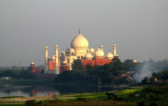 טאג' מהאל בשקיעה, טיול להודו