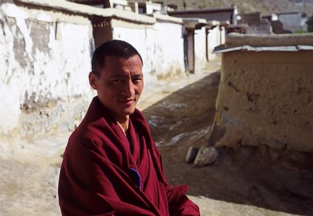 טיול לסין, נזיר בשיאחה