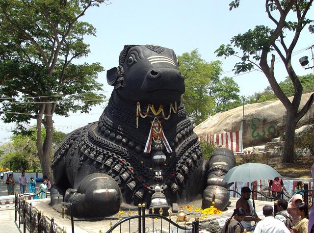 מקדש צ'אמונדי, טיול לדרום הודו