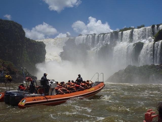 סירה למפלי האיגוואסו, טיול לארגנטינה