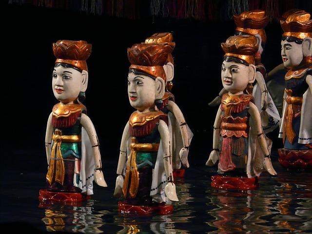 בובות המים, האנוי