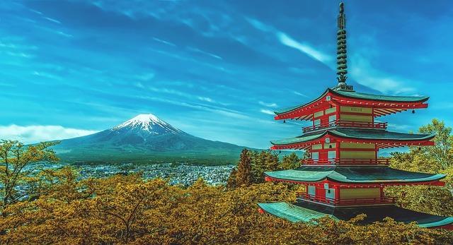 פגודת צ'ורייטו משקיפה על הר פוג'י, טיול ליפן