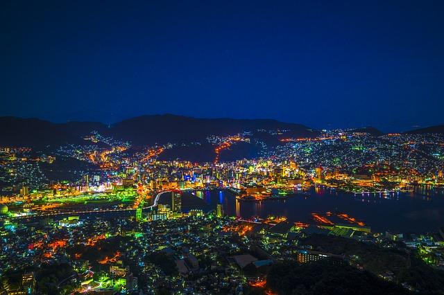 תצפית לילה על נגאסאקי, טיול ליפן